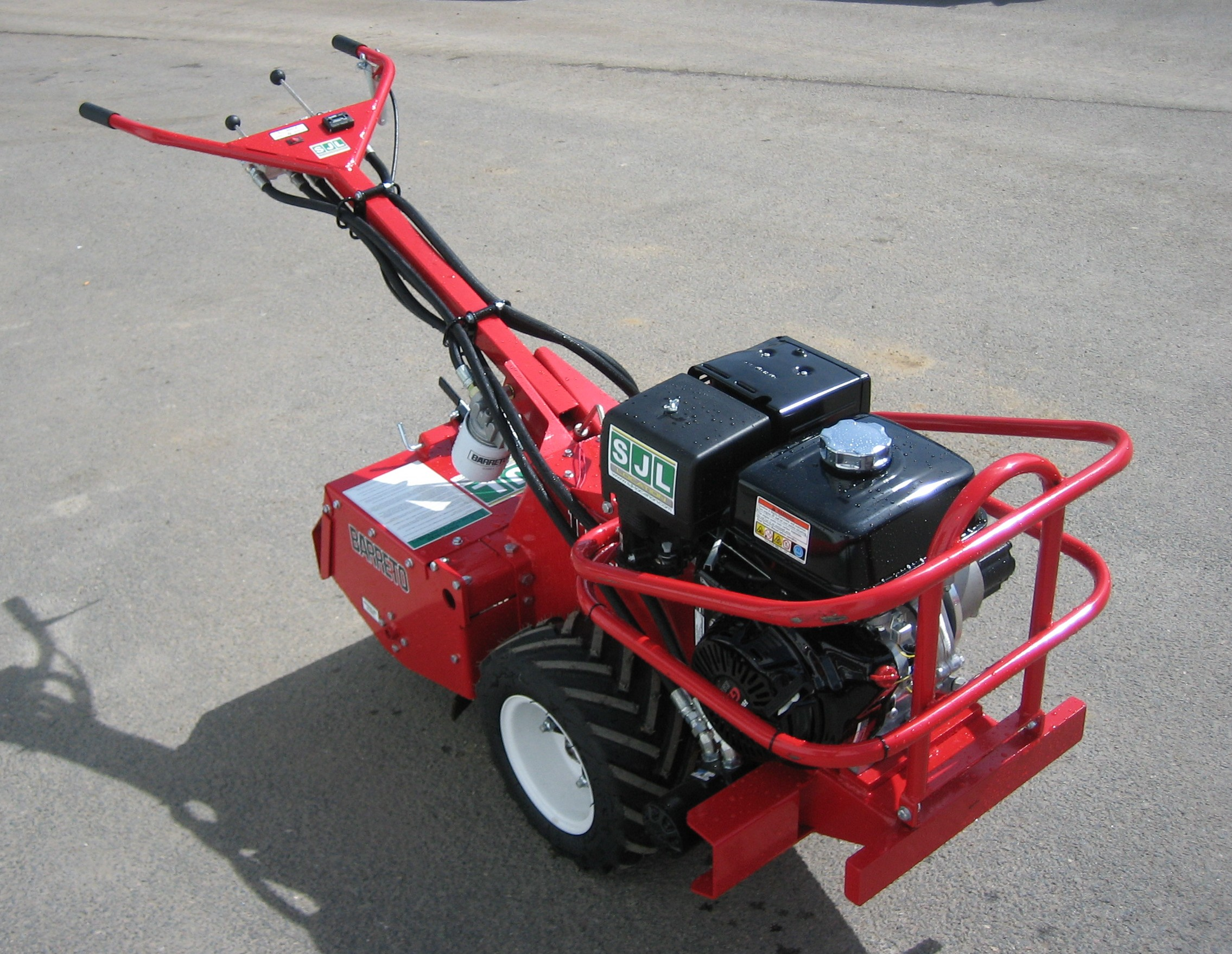 motoculteur hydraulique fraise 13 cv 51 cm saint junien location. Black Bedroom Furniture Sets. Home Design Ideas